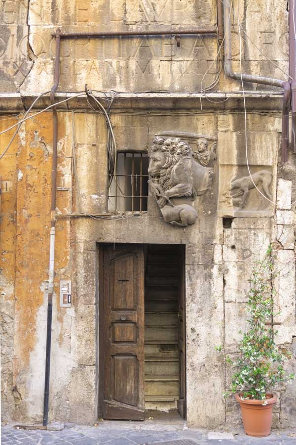 casa di Lorenzo Manilio a via di Portico d'Ottavia, Roma