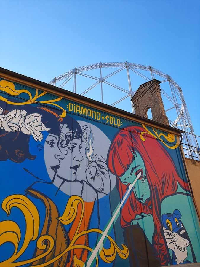 Street art a Roma: Fuoco Fauto di Diamond e Solo a via del commercio