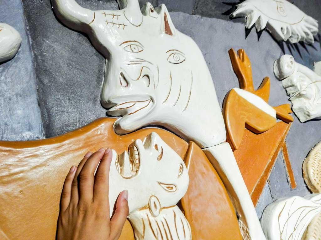 Guernica, traduzione tattile del Museo Tattile Omero di Ancona